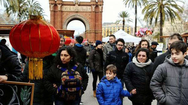 西媒:华人百元店风靡西班牙 引大品牌入驻