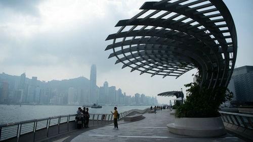 境外媒体:习近平为稳定香港局势指方向