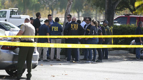"""美枪案连发拷问政府控枪决心 专家称暴力问题制造""""疑心社会"""""""