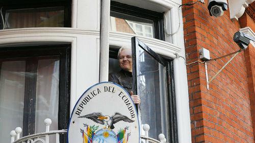 德媒:阿桑奇在瑞典的官司了结 仍可能被引渡到美国