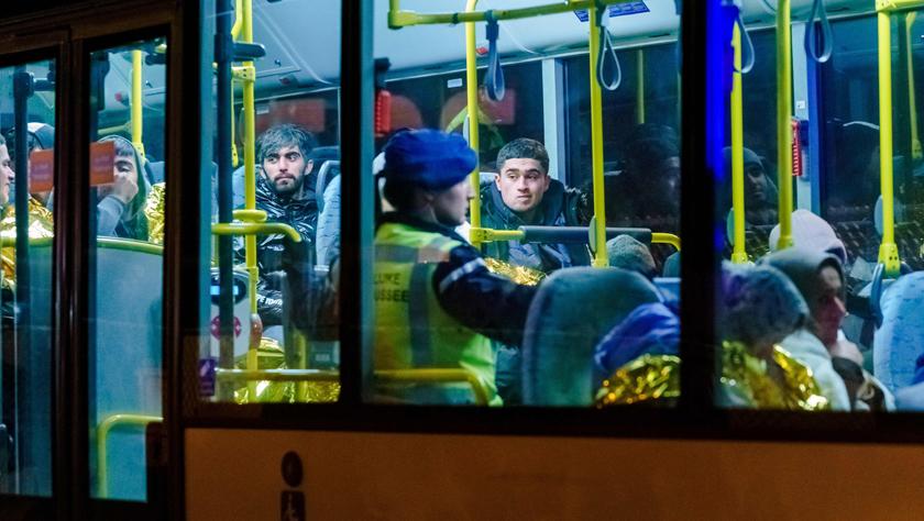荷兰至英国渡轮上发现25名偷渡客
