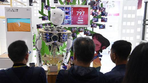俄罗斯记者艳羡中国人工智能发展快:已在多行业中取得应用