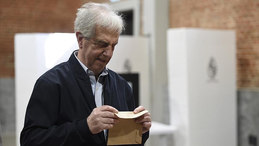 乌拉圭举行总统选举第二轮投票