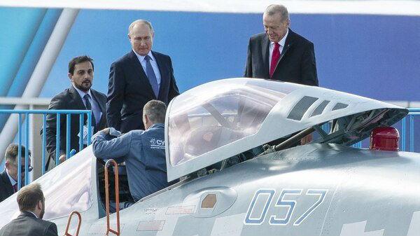 军情锐评:美越制裁 俄制武器为何反而越畅销?