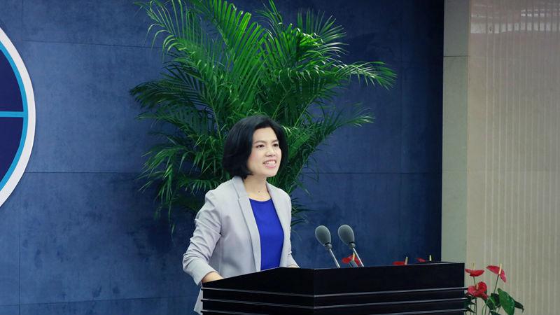 国台办新任女发言人朱凤莲亮相引台媒关注