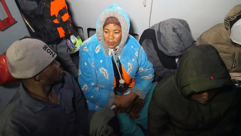 利比亚海岸警卫队救起200多名非法移民