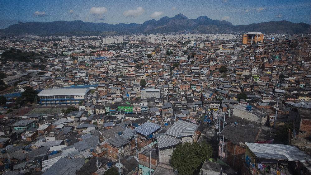 外媒:巴西警方追捕嫌犯引发踩踏事件 致9人死亡