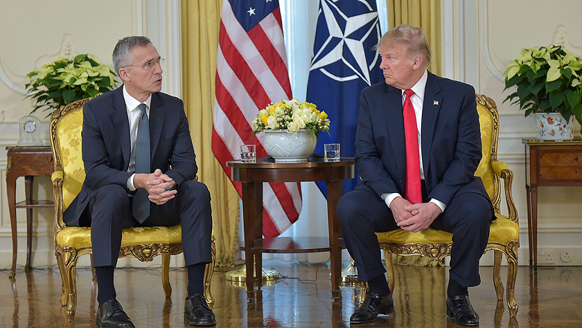 北约秘书长斯托尔滕贝格与美国总统特朗普会谈