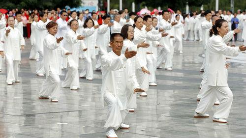 日媒:越来越多日本人爱上太极拳 被中国文化奥妙吸引