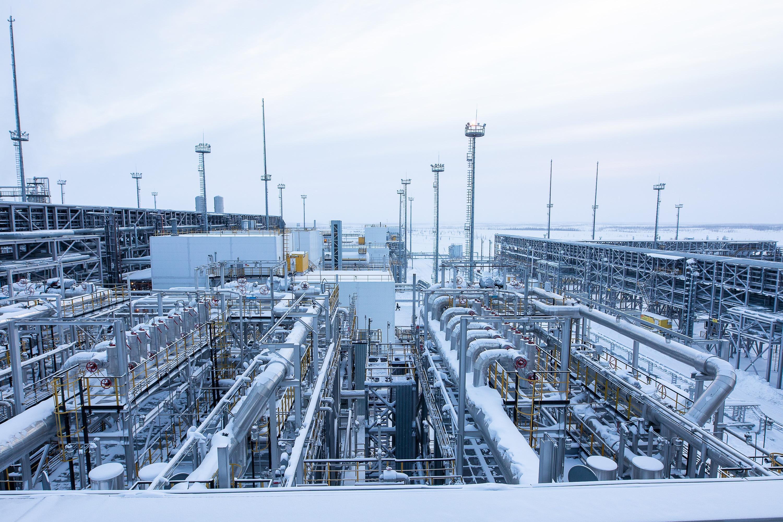 """外媒:""""欧佩克+""""加大石油减产力度"""
