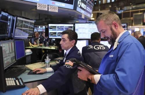 """發生了什么?美股""""牛市狂奔"""",散戶卻大舉贖回股票"""