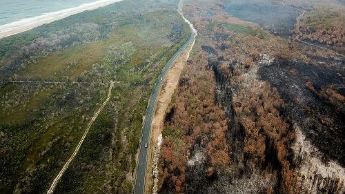 新西兰冰川异常变红 专家:或因澳大利亚飘来的大火灰尘_德国新闻_德国中文网