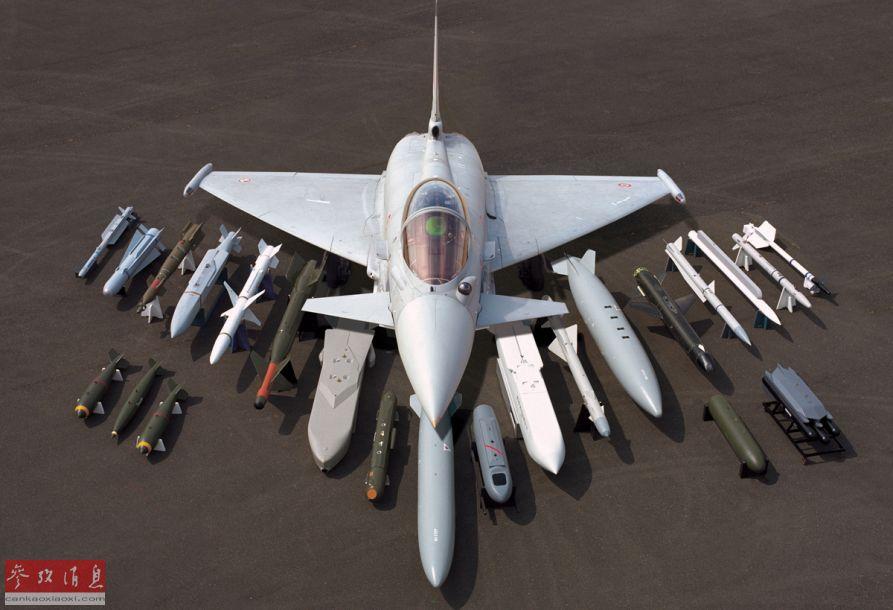 """欧洲""""空中客车""""集团官网近日放出官方视频,纪念欧洲""""台风""""战斗机首飞25周年。视频中专门展示了""""台风""""多用途作战能力,可根据对空或对地作战需要,快速换装不同的武器,酷似""""变形金刚""""。图中展示了""""台风""""所能挂载的多种空空、空地弹药。53"""