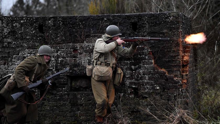 比利時小城紀念阿登戰役75周年