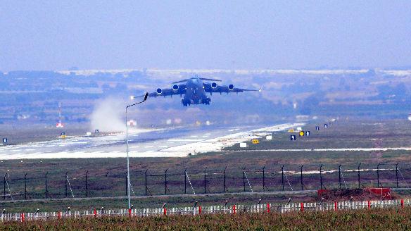 土耳其威胁禁止美国使用两空军基地:回应制裁和大屠杀决议