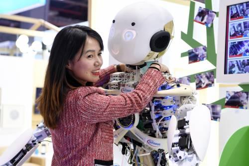 俄媒:中国人工智能论文数量全球领先 引用量美国仍居首