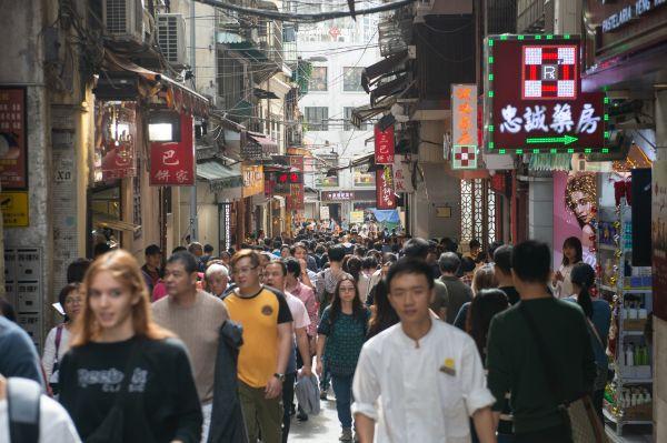 英媒关注:中国央行提高澳门居民人民币跨境汇款限额