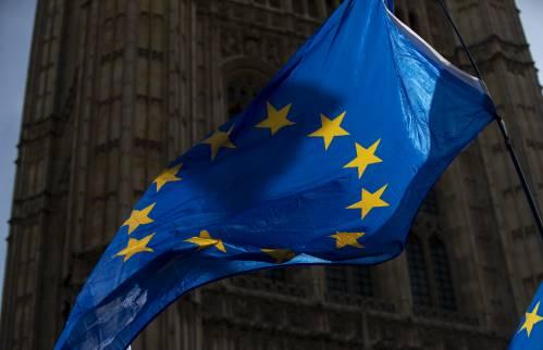 """""""内忧外患""""之际,欧盟将与中国深化经济关系列为要务——"""