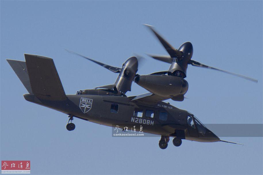 """作为美军第3代倾转旋翼机(第1代为XV-15试验机,第2代为V-22""""鱼鹰""""),V-280采用了多种新技术,特别是对倾转旋翼系统进行优化改进,与前一代V-22相比,V-280在由""""水平飞行""""模式过渡至""""悬停模式""""时,已无需转动整个发动机舱,只需转动旋翼轴部分即可,在反应速度及系统结构方面均优于V-22。"""