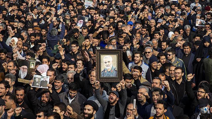 伊朗悼念遭美军袭击的高级将领