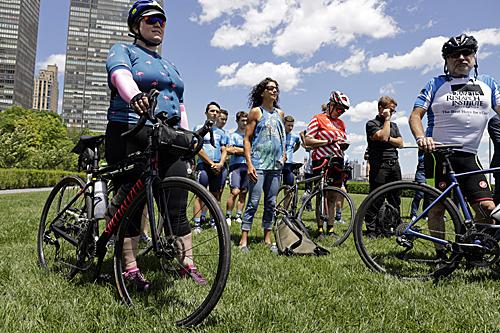 美媒:纽约打破汽车文化 出招保护骑车一族安全