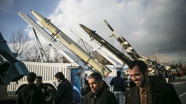 美防长公布伊朗导弹袭击细节:发射16枚 命中12枚