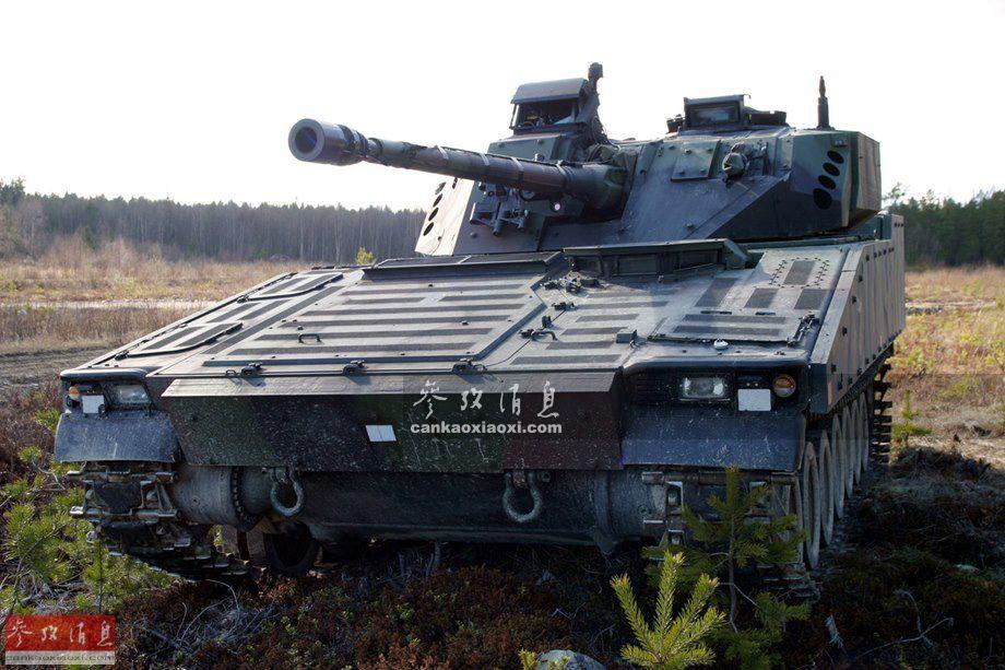 CV9035由瑞典赫格隆公司(现已被英国BAE系统公司收购)应荷兰陆军要求,基于CV90系列步兵战车改进而来,首辆样车于2003年出厂,配备了新型装甲系统,提高对攻顶弹药和反坦克地雷的防护能力,全重达32吨,配备一台750马力的新型柴油发动机,最高时速达70千米(公路)。这张CV9035步兵战车资料图中,可见搭载的35毫米链式机关炮。