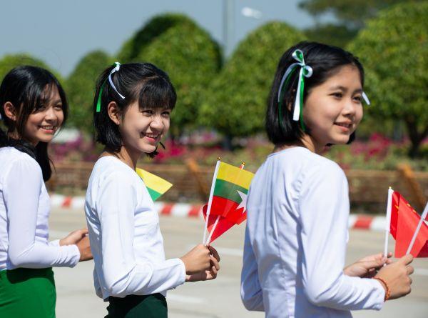 外媒关注:缅甸最高礼遇欢迎习近平到访