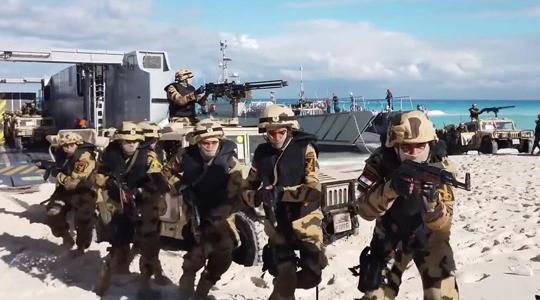 """埃及海军练抢滩登陆!美俄法德武器""""同框"""""""