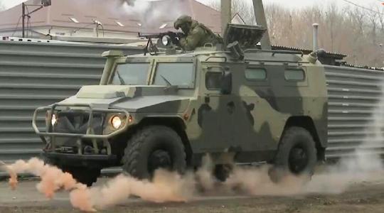 """基地遭""""武装恐袭""""?看俄军重火力反恐应对"""