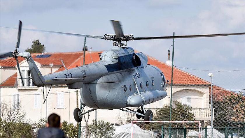 克罗地亚一军用直升机坠海