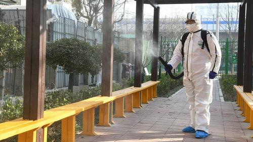 美媒:北京城进入慢速运转 民众盼疫情尽快过去