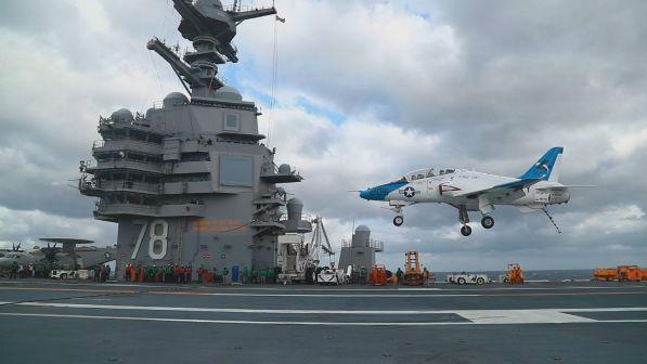 """美媒:这艘美国最新航母 已成""""可悲笑话"""""""