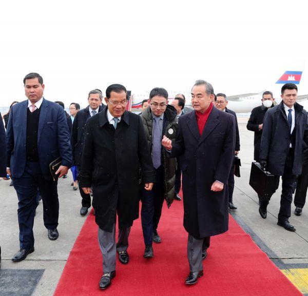 锐参考  柬埔寨首相为何此时来华?看到这个你就懂了——