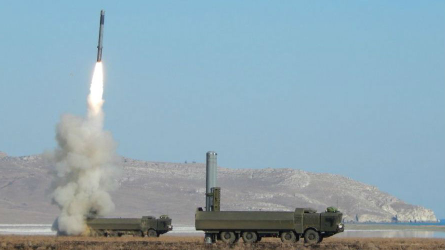 """俄""""棱堡""""-P岸舰系统可重创300公里外大型战舰"""