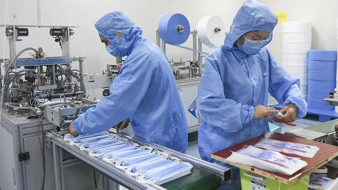 """美媒:中国企业全力缓解""""口罩荒"""" 汽车、能源、手机巨头纷纷转产"""