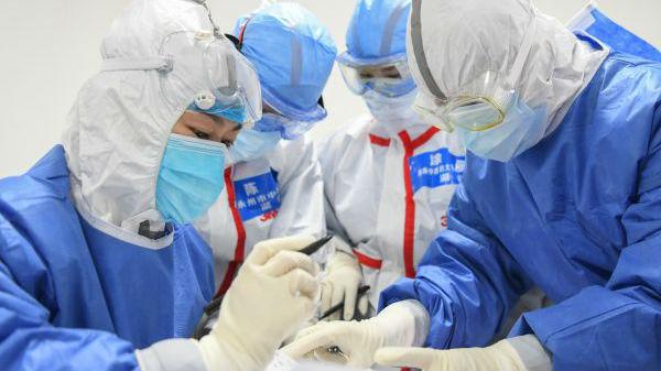 外媒关注:1716名医务人员感染令人痛心