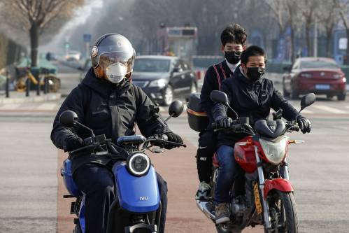 外媒关注中国各地推更严措施抗疫攻坚