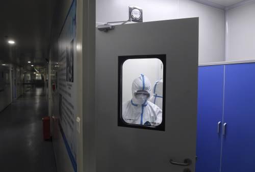 俄首任国家总防疫师:新冠病毒不可能感染全球2/3人口