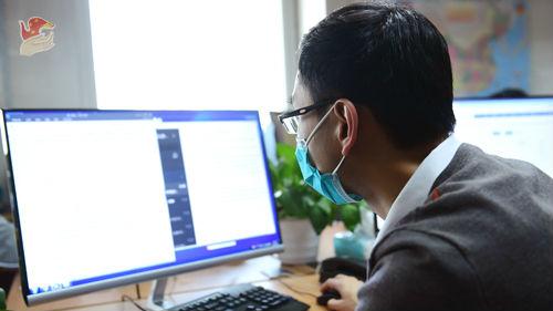 《华尔街日报》驻华记者证件被吊销 中方:依法依规处理