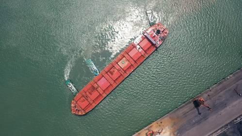 西媒:新冠疫情波及海上运输业