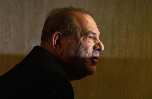 美媒:温斯坦两项性侵罪名成立 面临最高29年牢狱生涯