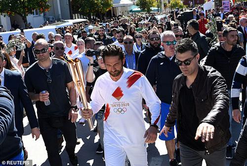 日媒:希腊暂停奥运火炬传递 东京奥运延期举行呼声渐起