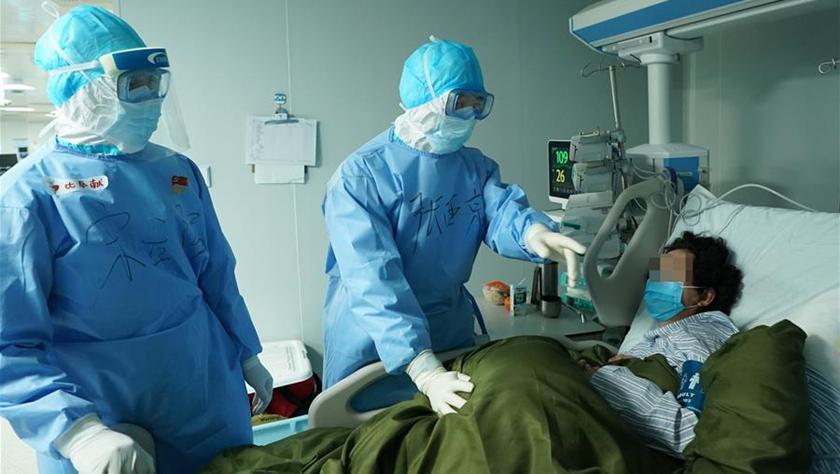"""和时间拼速度 与死神抢生命——火神山医院重症医学一科里的""""生死战"""""""