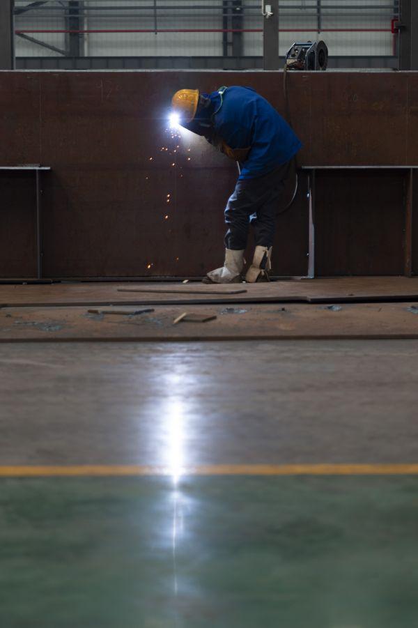 3月23日,位于湖北省襄阳市的中铁十一局集团汉江重工有限公司全面复工复产。新华社发(谢剑飞 摄)