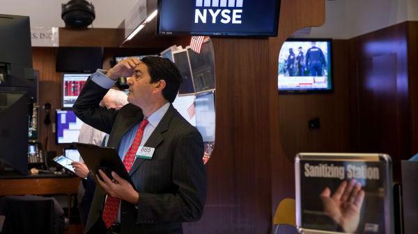 失业人数猛增逾10倍 美联储主席承认美经济或已陷衰退
