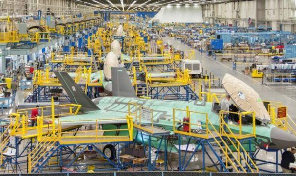 生产线关闭 数千人下岗 疫情重创美国军工企业
