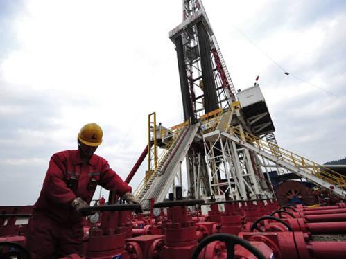 美俄拟就油价暴跌展开磋商 外媒:全球石油外交出现新转折