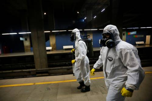 巴西总统博索纳罗改口承认疫情威胁大