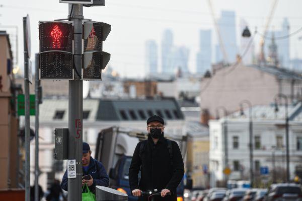 """""""伏特加杀不死新冠"""" 外媒:俄部分地区颁布疫情期间禁酒令"""
